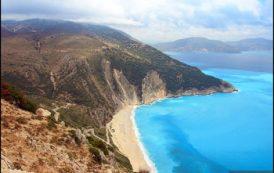 Туристы из РФ вошли в ТОП-10 по числу визитов в Грецию