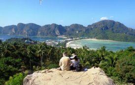 Туристка из РФ упала со скалы во время селфи в Таиланде