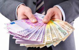 Правительство разрешило выплачивать иностранцам tax free наличными